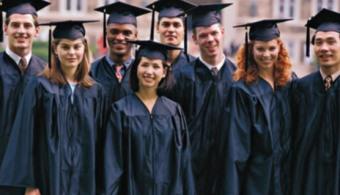 La mayoría de los titulados de la UAO CEU encuentra trabajo antes de tres meses