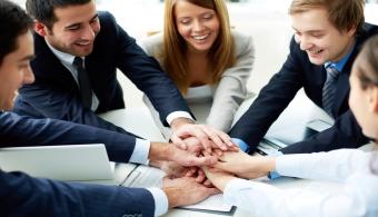 Cuida la relación con tus compañeros para crear un buen ambiente de trabajo