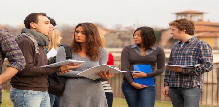 <p style=text-align: justify;>Si empezaste la universidad este semestre o si estás planeando empezarla el año que viene, tenés que saber que hay muchas <strong>conductas y valores que debés aprender por tu cuenta</strong>, ya que nadie te las enseñara en el ámbito educativo.</p><p style=text-align: justify;><br/><br/></p><div class=lead><h3>Técnicas y hábitos de estudio que te lleven al éxito académico (EBOOK)</h3><img src=https://imagenes.universia.net/gc/net/images/educacion/e/eb/ebo/ebook-gratis-tecnicas-estudio-universidad.jpg alt=title= class=alignleft/><p>Una guía para todo estudiante universitario que buscan tener un paso exitoso por la universidad.</p><p>Contiene recursos, consejos e ideas para que el alumno pueda rendir al máximo y obtener los mejores resultados académicos.</p><div class=clearfix></div><p style=text-align: left;><a href=/downloadFile/1148595 class=enlaces_med_registro_universia button button01 title=Ebook sobre técnicas y hábitos de estudio para la universidad target=_blank onclick=ga('ulocal.send', 'event', 'DescargaFicherosBajoLogin', '/net/privateFiles/2017/0/18/ebook-tecnicas-habitos-estudio-universidad-.pdf' ,'Paso1AntesDeLogin'); id=DESCARGA_EBOOK rel=nofollow>Ebook sobre técnicas y hábitos de estudio para la universidad<br/><br/><br/><br/><br/></a><strong>Tenés que aprender a organizarte</strong></p></div><div style=text-align: left;>Seguramente muchas sean las actividades que tengas que realizar y poco parezca el tiempo que tenés para llevarlas a cabo. Por eso, es importante que aprendas a priorizar y a <strong>establecer un equilibrio entre el estudio y tu vida personal</strong>.<br/><br/></div><div style=text-align: left;></div><div style=text-align: left;><strong>Tu carrera universitaria no determinará tu futuro profesional</strong></div><div style=text-align: left;>Aunque realices una carrera universitaria y estés 4, 5 u 8 años estudiando sobre la misma temática, es probable que en el futuro<strong> no apliques estos conocimient