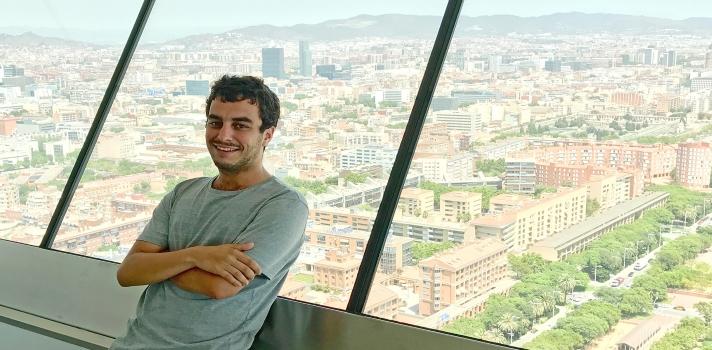 Un joven publicista cántabro gana una beca para trabajar y aprender inglés en Australia.