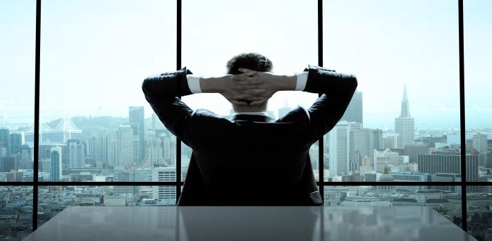 El éxito profesional requiere más que una carrera universitaria