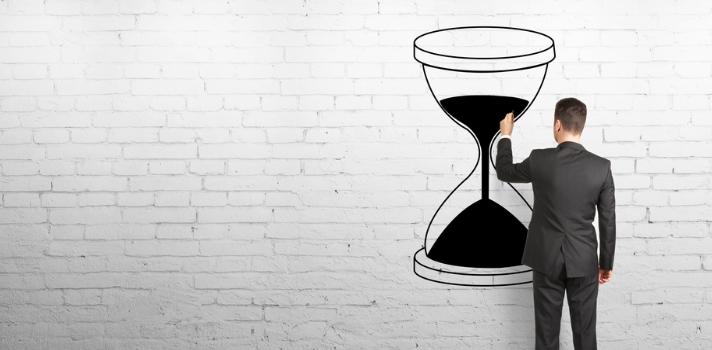 Estar pendientes del reloj es una forma de eliminar distracciones al estudiar y trabajar