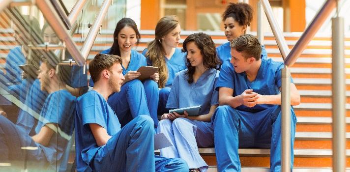 Enfermería es una de las carreras más populares entre los estudiantes y con buenas salidas profesionales