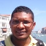 Carlos Angulo, Líder Social