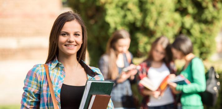 La universidad ofrece acceso a decenas de eventos en los que conocer gente y hacer amigos