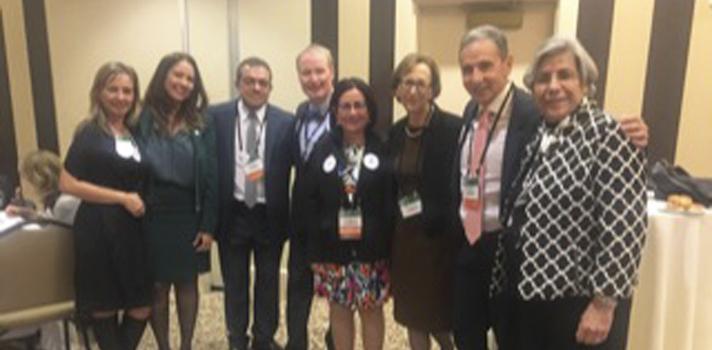 (De izquierda a derecha) Dra. Kenira Thompson, Sra. Cynthia Hérnandez, Dr. Edgar Colón, Dr. David Lenihan, Dra. Olga Rodríguez de Arzola, Dra. Marsha Rappley, Dr. José Ginel Rodríguez, presidente y Dra. Yocasta Brugal.