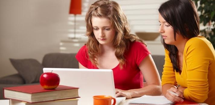 Organiza tus sesiones de estudio en equipo para sentirte más motivado
