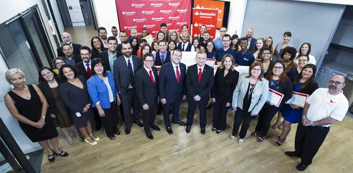Banco Santander Puerto Rico, mediante su División Global Santander Universidades, celebró la entrega de premios del IV Premio Santander a la Innovación Empresarial, en el Colaboratorio de Foundation for Puerto Rico.
