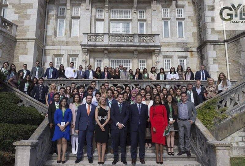 <p dir=ltr><span>El Global Youth Leadership Forum (GYLF) nace en el año 2016 con la voluntad de convertirse en un foro de debate y discusión donde líderes internacionales, expertos, empresarios, representantes de distintos países y organismos internacionales se reúnan con jóvenes líderes de perfiles sobresalientes en sus distintos ámbitos de actuación y que ostenten importantes responsabilidades en sus países en todos los sectores (políticos, económicos, sociales, culturales, etc.); generando un marco propositivo único que acoja un debate serio, riguroso y firme en la búsqueda de soluciones a las principales problemáticas a que se enfrenta la comunidad internacional.</span><span><br/><br/></span></p><p dir=ltr><span>El GYLF ha sido concebido con vocación permanente e inclusiva, conformando un gran foro internacional de debate sobre los principales retos que deberá enfrentar el mundo durante el S. XXI. Para ello, GYLF quiere implicar en esta propuesta al mayor número posible de países, regiones, organismos internacionales, asociaciones civiles y empresas, dando lugar a un espacio rico, plural, inclusivo y resolutivo.</span></p><b><b><br/></b></b><p dir=ltr><span>Mediante un debate intergeneracional riguroso sobre los principales desafíos a los que nuestras sociedades se enfrentan, el GYLF pretende ayudar tanto a los líderes actuales como a los llamados a asumir ese rol en los próximos años en la búsqueda de las mejores soluciones que redunden en el beneficio de los pueblos.</span></p><b><b><br/></b></b><p dir=ltr><span>La Cuarta Edición del Global Youth Leadership Forum se celebrará entre los días del 22 al 28 de septiembre de 2019 en el Palacio de la Magdalena de Santander (España).</span></p><b><b><br/></b></b><p dir=ltr><span>Consulta la agenda en el fichero adjunto.</span></p>