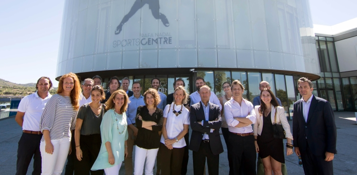 El grupo junto con el Director del Centro, Sr. Don Victor Barreira