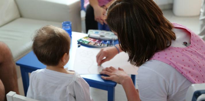 El proyecto de apoyo hospitalario de la Asociación de Padres de Niños con Cáncer de Bizkaia (ASPANOVAS BIZKAIA),entre los beneficiarios del programa Santander Ayuda