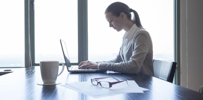 Las mujeres escasean en las carreras de Informática.