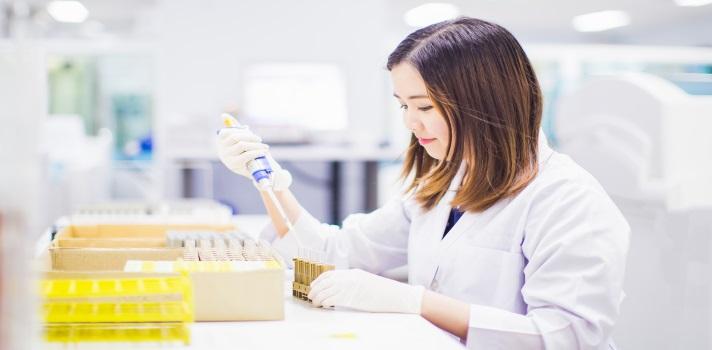 La biotecnología se aplica en áreas tan diversas como la medicina, la agricultura o la industria farmacéutica
