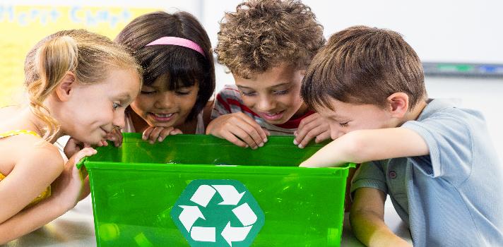 Las actividades en grupo, donde se deben respetar las ideas y espacios de los demás, son ideales para formar niños líderes