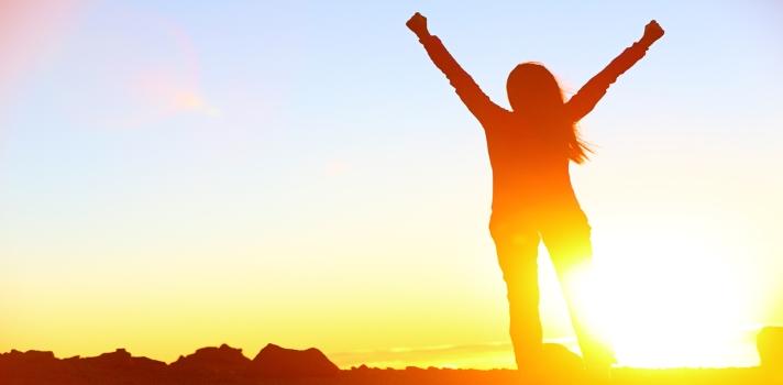 La Psicología de la Felicidad se centra en el desarrollo de emociones positivas