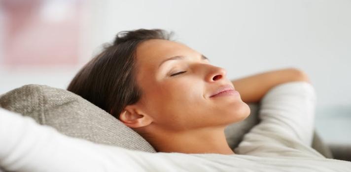 Quedarse una hora más en la cama cada mañana puede ayudarte a perder peso