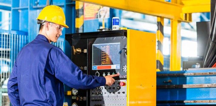 ¿Qué hace un ingeniero industrial? ¿Cuáles son las salidas profesionales? ¿Qué se debe estudiar? En este post te lo contamos todo.