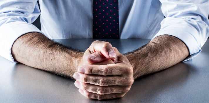 Trucos del lenguaje corporal para convencer en una entrevista de trabajo