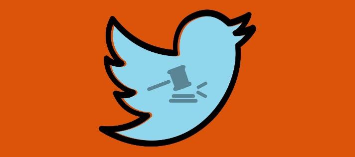 <p>Para estar al corriente de las últimas <strong>novedades en legislación y tendencias internacionales</strong>, te invitamos a seguir una selección de <strong>cuentas de Twitter sobre derecho</strong> que además, son puentes para encontrar nuevas fuentes de información jurídica. Pasamos por cuentas gubernamentales, de importantes organismos internacionales o nacionales y hasta alguna dedicada a hacer humor en el área. ¡Síguelas!<br/><br/></p><p>1. <a href=https://twitter.com/Abogacia_es target=_blank rel=me nofollow>Abogacía española</a></p><p>Cuenta del Consejo General de la Abogacía Española, el órgano que representa, coordina y ejecuta todos los aspectos vinculados con los <strong>Colegios de Abogados en el país</strong>. Te enterarás de los congresos, charlas, eventos y jornadas que se planean en tu área de estudio, descargarás ediciones digitales de publicaciones sobre derecho y recibirás noticias sobre legislación, enfatizando en las curiosidades o los aspectos cuestionados por los abogados representados en sus respectivos colegios.<br/><br/></p><p>2.<a href=https://twitter.com/maecgob?lang=es target=_blank rel=me nofollow>Exteriores</a></p><p>El <strong>Ministerio de Asuntos Exteriores y de Cooperación</strong> actualiza su cuenta con convocatorias para vacantes de empleo, normativas recientes sobre relaciones exteriores, eventos internacionales ligados con el derecho e informes sobre viajes internacionales de las autoridades del país. Es útil para conocer de primera mano las leyes vigentes por las cuales España entabla vínculos con otros países.<br/><br/></p><p>3. <a href=https://twitter.com/bibder?lang=es target=_blank rel=me nofollow>Derecho UCM</a></p><p>Pertenece a la <strong>Biblioteca de</strong><strong>la Facultad de Derecho en la Universidad Complutense de Madrid</strong> y publica desde artículos científicos vinculados con técnicas de estudio o metodologías de investigación, hasta cuestiones prácticas cambios en su horario de apertura y jornadas e
