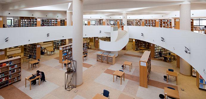A biblioteca Universidade-do-Algarve1_Carrusel