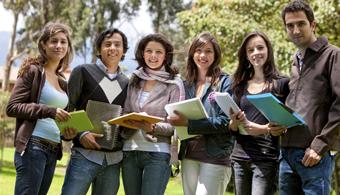 <p style=text-align: justify;>Por segundo año consecutivo, la <a title=Universidad de los Andes href=https://estudios.universia.net/colombia/institucion/universidad-los-andes><strong>Universidad de los Andes</strong></a> fue clasificada entre las 300 mejores instituciones de educación superior del mundo -al ser ubicada entre las<strong> posiciones 251-275- por el escalafón de la revista británica Times Higher Education World University Rankings,</strong> en su edición 2014-15. De las 400 primeras universidades, Estados Unidos tiene 108.</p><p style=text-align: justify;></p><p style=text-align: justify;></p><p><strong>Lee también</strong><br/><a style=color: #ff0000; text-decoration: none; title=Las 10 mejores universidades de Colombia según QS Ranking href=https://noticias.universia.net.co/en-portada/noticia/2014/05/29/1097706/10-mejores-universidades-colombia-segun-qs-ranking.html>» <strong> Las 10 mejores universidades de Colombia según QS Ranking </strong></a><br/><a style=color: #ff0000; text-decoration: none; title=El Ranking U-Sapiens es liderado por la Universidad Nacional de Colombia href=https://noticias.universia.net.co/actualidad/noticia/2014/09/12/1111440/ranking-u-sapiens-liderado-universidad-nacional-colombia.html>» <strong> El Ranking U-Sapiens es liderado por la Universidad Nacional de Colombia </strong></a><br/><a style=color: #ff0000; text-decoration: none; title=10 universidades latinoamericanas integran el ranking de las 500 mejores del mundo href=https://noticias.universia.net.co/actualidad/noticia/2014/08/18/1109865/5-universidades-latinoamericanas-integran-ranking-500-mejores-mundo.html>» <strong> 10 universidades latinoamericanas integran el ranking de las 500 mejores del mundo </strong></a></p><p style=text-align: justify;></p><p style=text-align: justify;></p><p style=text-align: justify;>Es la<strong> única colombiana entre los 400 centros académicos clasificados</strong> en este ranking global y la segunda de cuatro latinoamericanas, enca