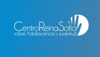 <p style=text-align: justify;>La <a href=https://www.fad.es/ target=_blank><strong>Fundación de Ayuda contra la Drogadicción</strong></a> (FAD) ha puesto en marcha el <a href=https://adolescenciayjuventud.org/es/><strong>Centro Reina Sofía sobre Adolescencia y Juventud</strong></a>. Se trata de un centro privado e independiente que cuenta con el apoyo de <a href=https://www.santander.com/csgs/Satellite/CFWCSancomQP01/es_ES/Corporativo.html target=_blank><strong>Banco Santander</strong></a> y <a href=https://www.telefonica.com/ target=_blank><strong>Telefónica</strong></a>. Su <strong>objetivo fundamental</strong> es contribuir a la socialización de los adolescentes y jóvenes españoles analizando los elementos que conforman su realidad, sus dificultades y necesidades; así como movilizando a la sociedad en este sentido.</p><p style=text-align: justify;></p><p style=text-align: justify;>El Centro nace del convencimiento de que los <strong>jóvenes y adolescentes tienen la clave del futuro de nuestras sociedades</strong>, por lo que conocer sus actitudes y comportamientos, sus valores, sus aspiraciones vitales o los retos que afrontan en la actualidad, es necesario para poder formular políticas, programas y servicios que respondan adecuadamente a las necesidades de este grupo y de la sociedad en general.</p><p style=text-align: justify;></p><p style=text-align: justify;>El ámbito de actuación del Centro aborda<strong> todos los aspectos relacionados</strong> con adolescentes y jóvenes como, por ejemplo, la cultura, los estilos de vida, las prioridades que se plantean, las nuevas formas de comunicación, la participación en lo colectivo, etc., que influyen de forma notable en sus conductas y comportamientos.</p><p style=text-align: justify;></p><p style=text-align: justify;>El Centro Reina Sofía sobre Adolescencia y Juventud focaliza su trabajo en la<strong> población que se encuentra en la franja de edad de los 15 y los 29 años</strong>. Sin embargo, en función de las tem