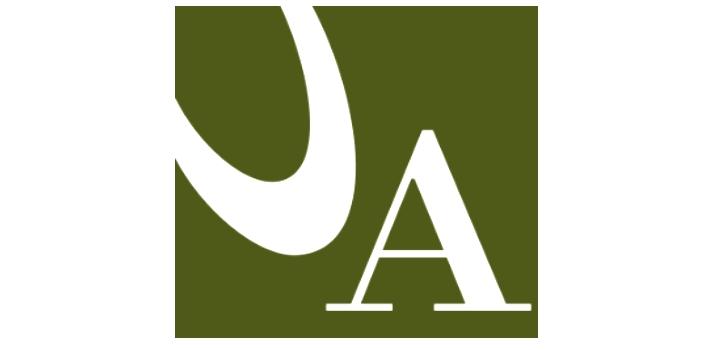 <p style=text-align: justify;>Del 18 al 22 de marzo tendrá lugar en Barcelona una nueva edición del <strong>Salón de la Enseñanza</strong>, que reunirá una completa oferta en estudios de bachillerato, carreras universitarias, estudios superiores complementarios, de formación profesional e idiomas, así como de servicios a la educación. Por tercera vez consecutiva, la<strong><a href=https://www.universia.ad/universidades/universitat-dandorra/in/27046>Universidad de Andorra (UdA)</a></strong> estará presente para dar información de primera mano sobre su oferta formativa.</p><p style=text-align: justify;><br/>Las titulaciones de Andorra, país que es miembro del <strong>Espacio Europeo de Enseñanza Superior</strong>, tienen reconocimiento internacional, lo que facilita la acogida de estudiantes de fuera. Cabe destacar la amplia oferta de alojamiento en un país tranquilo y seguro para vivir, y la posibilidad de adquirir el forfait de esquí universitario a un precio muy económico.</p><blockquote style=text-align: center;><br/>La enseñanza superior en Andorra se inició entre 1988 y 1989 con la creación de las escuelas universitarias de enfermería y de informática, dando lugar en 1997 a la Universidad de Andorra.</blockquote><p style=text-align: justify;></p><p style=text-align: justify;>La presencia del UdA el Salón de la Enseñanza está en línea con la voluntad de apertura de la institución para ofrecer formaciones dirigidas a estudiantes de todo el mundo, <strong>promoviendo la movilidad y los intercambios internacionales</strong> y aumentando el número de <strong>proyectos de cooperación entre instituciones de docencia, de investigación y de desarrollo</strong>. Se trata, pues, de ofrecer información personalizada a los visitantes sobre los aspectos diferenciadores de la universidad pública andorrana y sobre su oferta académica y de servicios.</p><p style=text-align: justify;><br/>El Salón de la Enseñanza, que tiene lugar en el palacio 2 del recinto ferial de Montjuïc, es