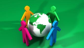 <p style=text-align: justify;><strong>65 Universidades de 10 países latinoamericanos</strong> (Argentina, Brasil, Colombia, Costa Rica, Chile, Guatemala, México, Perú, República Dominicana y Venezuela) se replantean el papel que las universidades quieren desempeñar en la transición hacia una <strong>sociedad más sostenible.</strong>Varias se muestran comprometidas y planean llevar a cabo programas de voluntariado ambiental y de colaboración con ONG´s.</p><p style=text-align: justify;></p><p><strong>Lee también</strong><br/><a style=color: #ff0000; text-decoration: none; title=La aplicación Argentina amiga del Planeta se llama Greendy href=https://noticias.universia.com.ar/ciencia-nn-tt/noticia/2015/03/05/1120965/aplicacion-argentina-amiga-planeta-llama-greendy.html>» <strong>La aplicación Argentina amiga del Planeta se llama Greendy </strong></a><br/><a style=color: #ff0000; text-decoration: none; title=8 propósitos ecológicos para cuidar el medio ambiente en el 2015 href=https://noticias.universia.com.ar/en-portada/noticia/2015/01/08/1117920/8-propositos-ecologicos-cuidar-medio-ambiente-2015.html>» <strong>8 propósitos ecológicos para cuidar el medio ambiente en el 2015</strong></a><br/><a style=color: #ff0000; text-decoration: none; title=El uso de Internet contamina el medio ambiente href=https://noticias.universia.cl/ciencia-nn-tt/noticia/2013/04/02/1014202/uso-internet-contamina-medio-ambiente.html>» <strong>El uso de Internet contamina el medio ambiente</strong></a></p><p></p><p style=text-align: justify;>Un estudio realizadopor el<strong><a title=Centro de Estudios de América Latina href=https://www.uam.es target=_blank>Centro de Estudios de América Latina</a></strong>(CEAL) de la Universidad Autónoma de Madrid entre el año 2013 y 2014, con el apoyo del<a title=Banco Santander href=https://www.bancosantander.es target=_blank><strong>Banco Santander</strong></a>,arrojó que el86% de las universidades participantes realiza actividades extracurriculares de comuni