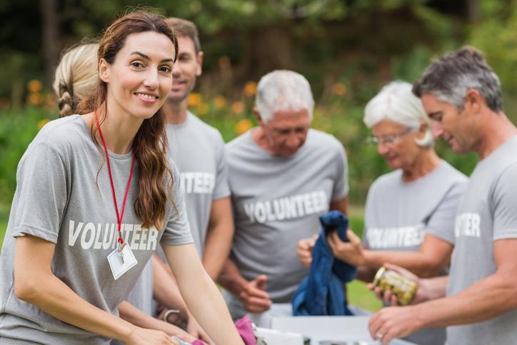 São várias as oportunidades de voluntariado que existem assim como as áreas de intervenção.