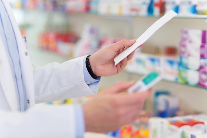 O curso de farmácia conta com a opção de graduação e curso técnico.