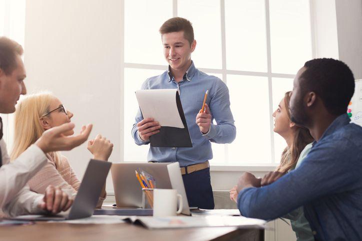 Os estágios profissionais são uma saída para quem está à procura de uma oportunidade