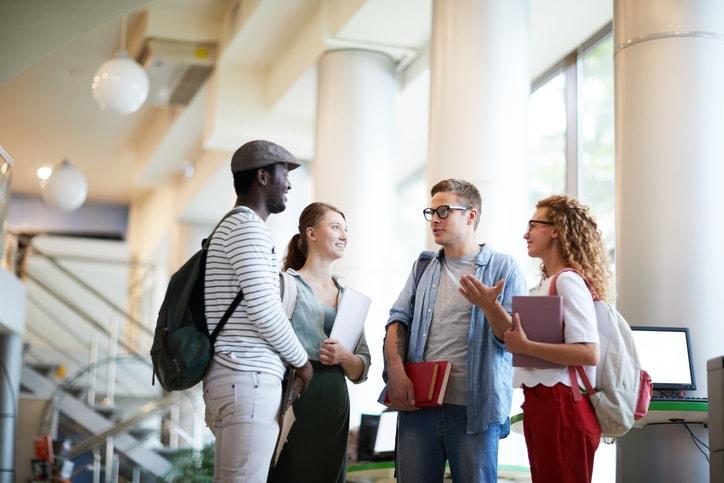 ¿Qué necesita un estudiante chileno para estudiar en el extranjero?