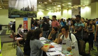 """<p style=text-align: justify;>Bogotá recibirá a más de 20 instituciones educativas de Nueva Zelanda el próximo 14 de marzo. Visitarán Colombia en una misión organizada por <strong><a href=https://enz.govt.nz/ target=_blank>Education New Zealand (ENZ)</a>,</strong>la oficina del gobierno neozelandés para la educación internacional. ENZ trabaja <strong>para incrementar el conocimiento de Nueva Zelanda como destino educacional</strong> y apoyar a las instituciones y empresas del sector educativo para llevar sus servicios y productos al extranjero.</p><p style=text-align: justify;></p><p style=text-align: justify;><strong>Lee también:</strong></p><p style=text-align: justify;><a style=color: #ff0000; text-decoration: none; title=Infografía: 30 elementos a saber de Nueva Zelanda antes de instalarte a estudiar o trabajar href=https://noticias.universia.net.co/en-portada/noticia/2014/05/28/1097553/infografia-30-elementos-saber-nueva-zelanda-instalarte-estudiar-trabajar.html>» <strong>Infografía: 30 elementos a saber de Nueva Zelanda antes de instalarte a estudiar o trabajar</strong></a> <br/><a style=color: #ff0000; text-decoration: none; title=Las 6 preguntas que debes contestar antes de partir a trabajar al exterior href=https://noticias.universia.net.co/empleo/noticia/2014/08/15/1109791/6-preguntas-debes-contestar-partir-trabajar-exterior.html>» <strong>Las 6 preguntas que debes contestar antes de partir a trabajar al exterior</strong></a> <br/><a style=color: #ff0000; text-decoration: none; title=Complementar los estudios en el extranjero genera mejores profesionales href=https://noticias.universia.net.co/movilidad-academica/noticia/2014/05/26/1097514/complementar-estudios-extranjero-genera-mejores-profesionales.html>» <strong>Complementar los estudios en el extranjero genera mejores profesionales</strong></a></p><p style=text-align: justify;></p><p style=text-align: justify;></p><p style=text-align: justify;>Las entidades participarán en la Feria """"Estudia en Nueva Zel"""