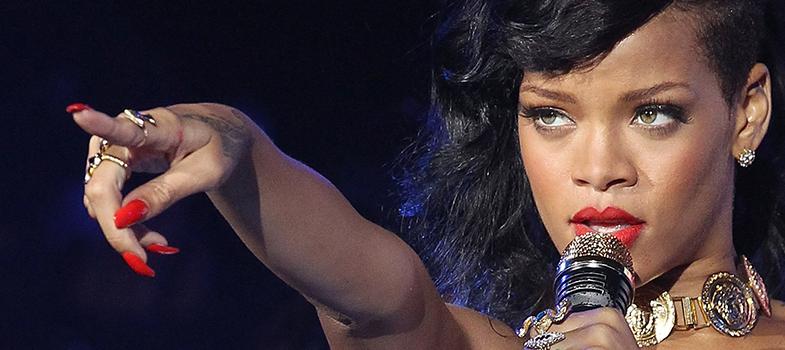Rihanna dará bolsas de estudo de até US$ 50 mil para alunos brasileiros