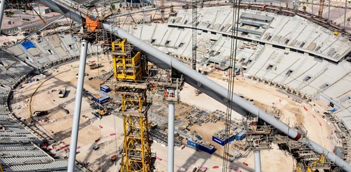 El gobierno está invirtiendo $25 billones de dólares en infraestructura deportiva y hoteles para la Copa Mundial de Fútbol de la FIFA - Qatar 2022.