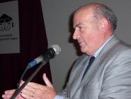Dr. Héctor César