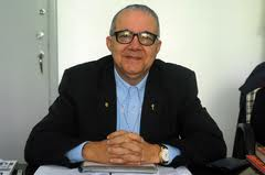 Magnífico Reitor Pe. Josafá Carlos