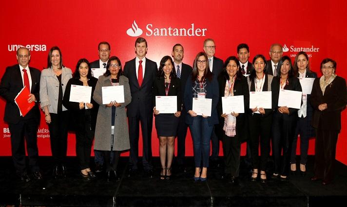 Banco Santander becó a 10 docentes peruanos para que realicen investigaciones en España y América Latina