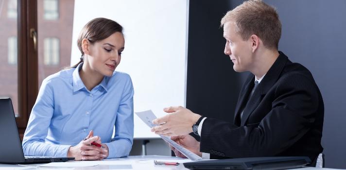 Mantén claros tus objetivos durante la negociación y una actitud profesional