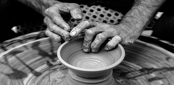 Los talleres artesanales recuperan su actividad con la recuperación de los trabajos locales y artesanos