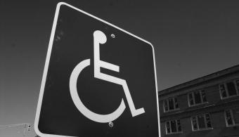 UPAEP desarrolla silla de ruedas motorizada de bajo costo