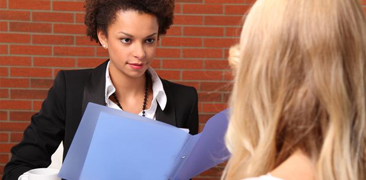 En las entrevistas de empleo debes procurar obtener condiciones que te sean favorables