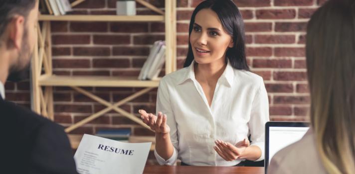 A entrevista se divide em três categorias: sua experiência, suas qualidades e seu futuro