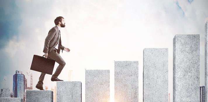 El crecimiento profesional no se logra de la noche a la mañana, requiere un cambio de actitud radical