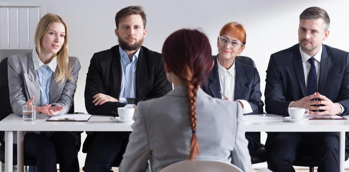 Hacer prácticas en empresas te ayudará a conocer cómo funciona el mercado laboral, e ir formándote en la búsqueda de empleo