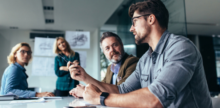 Conseguirás aumentar tu reputación si intervienes de manera brillante en las reuniones de trabajo
