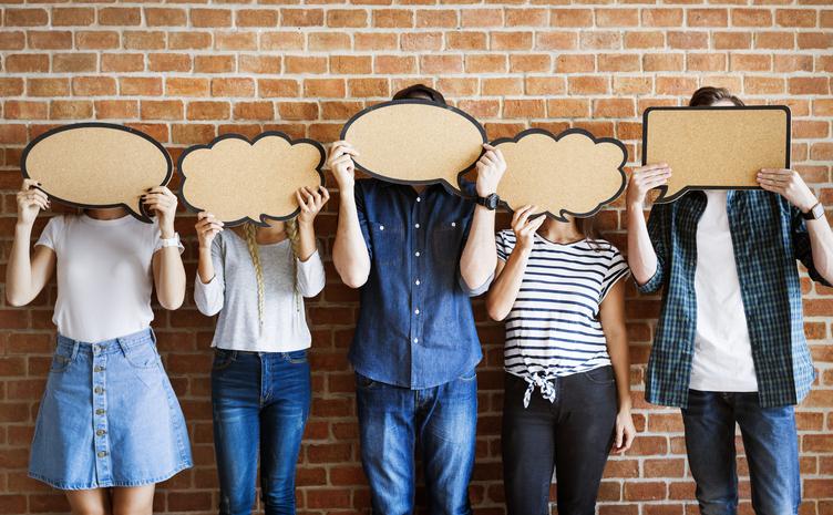 ¿Qué requisitos debe cumplir un auxiliar de conversación?