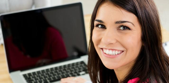 Banco Santander lanza su primera convocatoria de Becas Talento Mujer