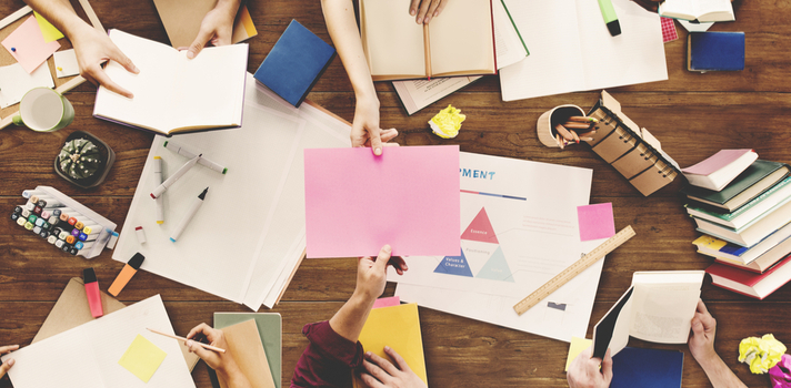 El brainswarming o enjambre de ideas es una variante del brainstorming