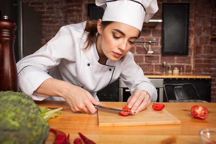 O amor pela cozinha é o requisito número um para se tornar um chefe de cozinha.